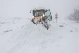 #OlaDeFrío| El temporal de nieve deja carreteras cortadas y municipios incomunicados