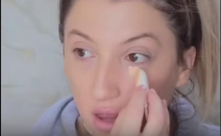VÍDEO| El maquillaje con tampón, la última técnica de moda