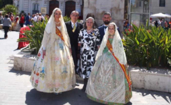 GALERÍA| Las Falleras Mayores de Valencia participan en la Ofrenda a San Vicente Ferrer