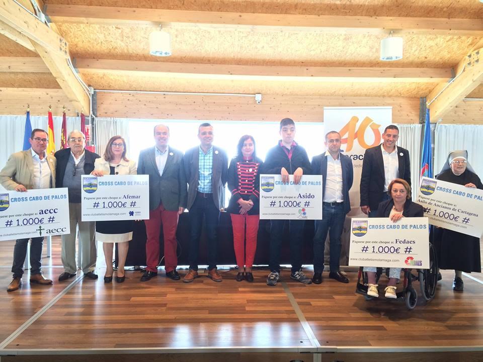 El Club Atletismo La Manga entrega la recaudación del VIII Cross Cabo de Palos a cinco entidades benéficas