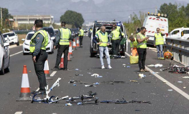 Sale de la UCI del Hospital de Alzira el último de los ciclistas atropellado en Oliva