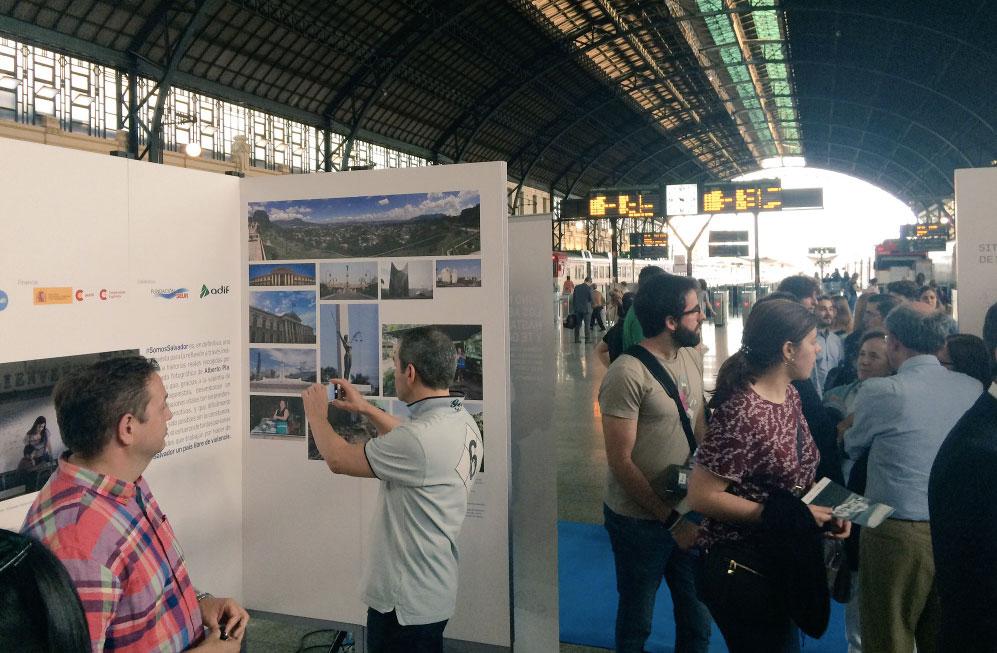 Arranca en Valencia la exposición #SomosSalvador de la ONG CESAL