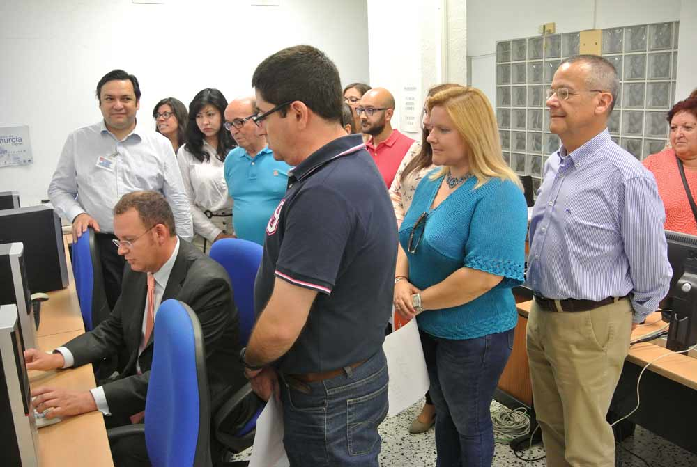 El Ayuntamiento de Murcia lanza el nuevo servicio de dinamización de sus 58 aulas de libre acceso a Internet en el #DíaTIC