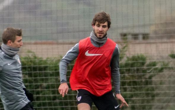 Yeray Álvarez recae de su tumor testicular y el mundo del fútbol se vuelca en su apoyo #FuerzaYeray