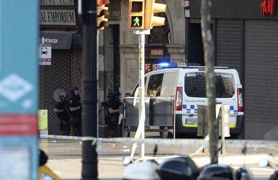"""La Policía Nacional y la Guardia Civil denuncian """"exclusión"""" por parte de los Mossos tras los atentados"""