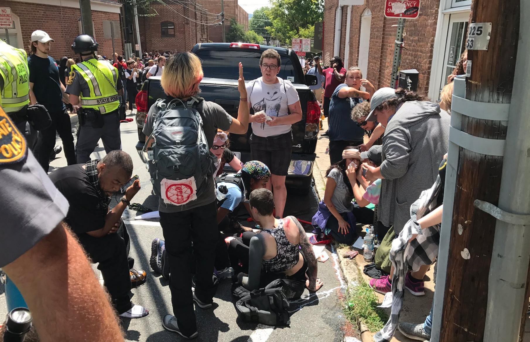ULTIMA HORA| Atropello masivo en Virginia de un vehículo contra unos manifestantes