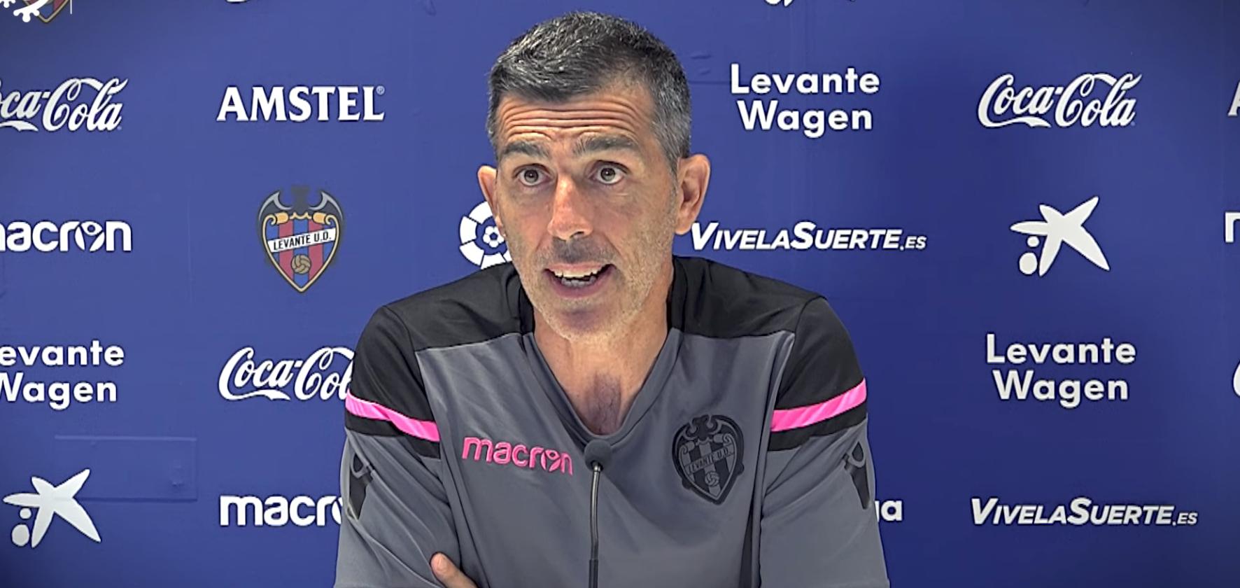 """Muñiz ante el debut contra el Villarreal: """"Tenemos que demostrar que el Levante ha llegado aquí para quedarse"""""""
