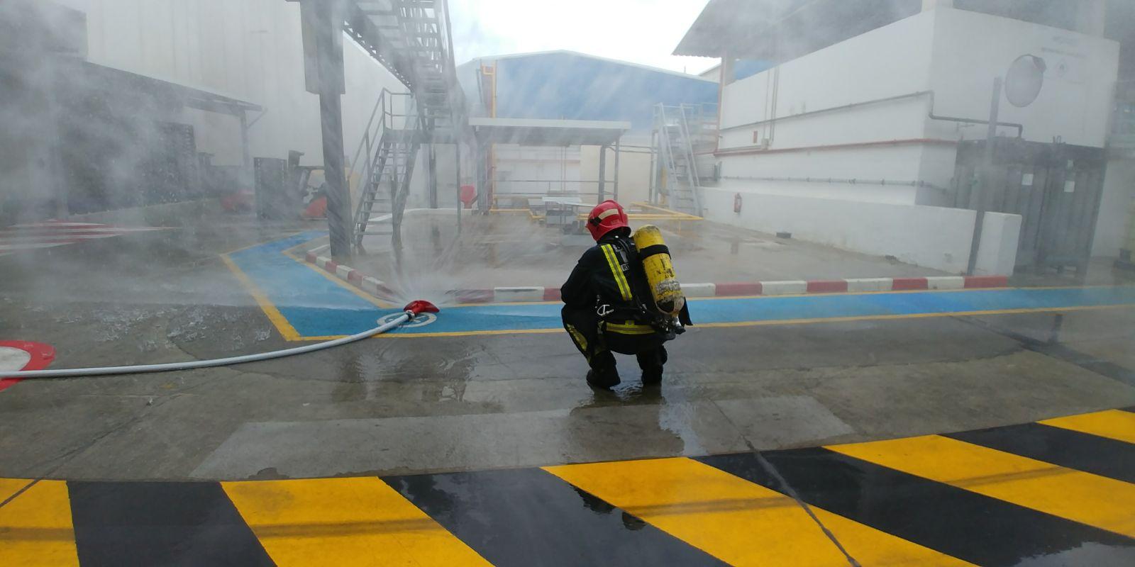 Los bomberos actúan en una empresa química de Molina de Segura alertados por una fuga de gas