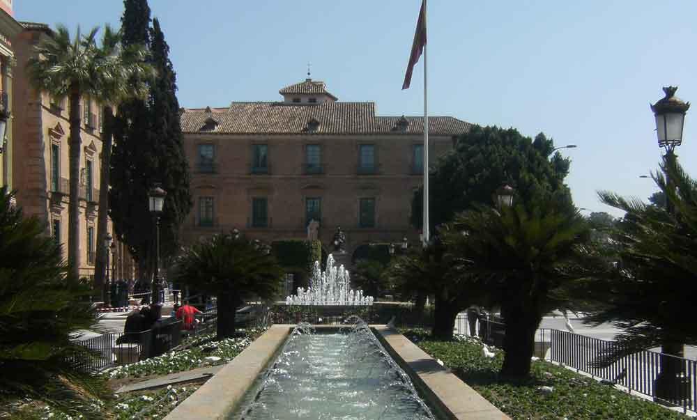 Murcia condena el atentado de #Barcelona y convoca un minuto de silencio en La Glorieta a las 12h