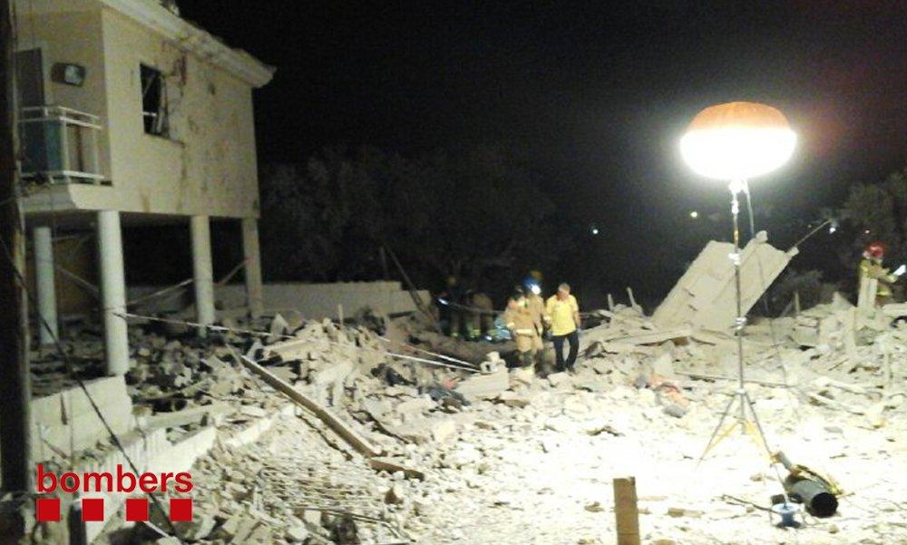 Localizado un segundo cadáver bajo los escombros del chalet de Alcanar