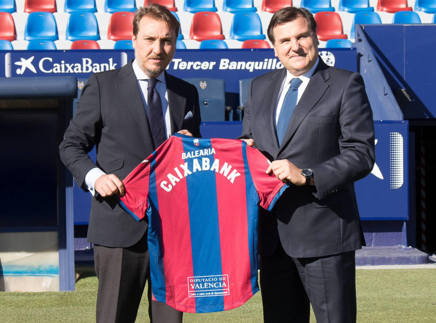 CaixaBank renueva como patrocinador oficial del Levante UD hasta el año 2020