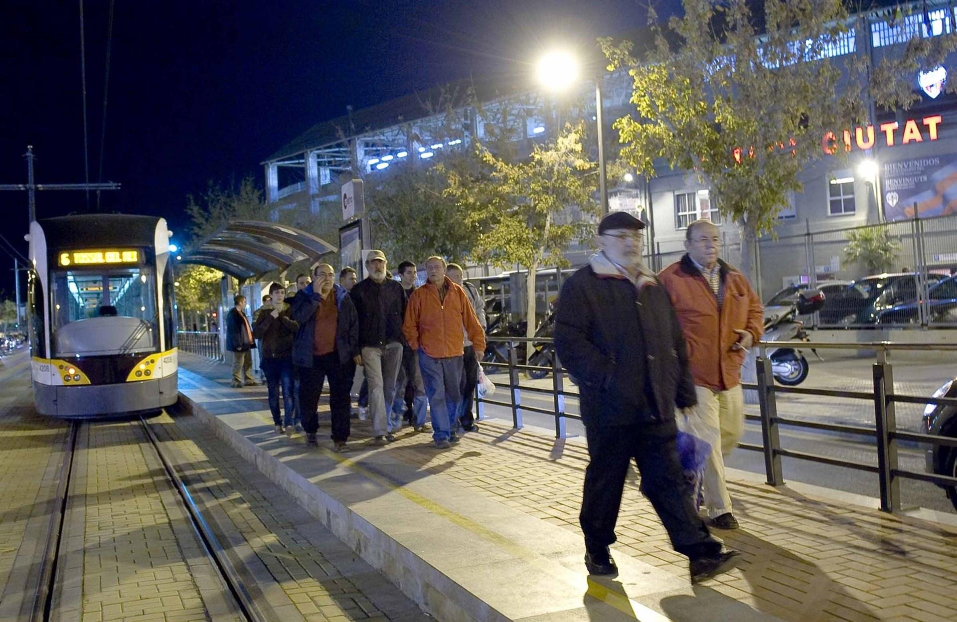El metro se refuerza esta noche para el partido de Liga entre el Levante y el Betis