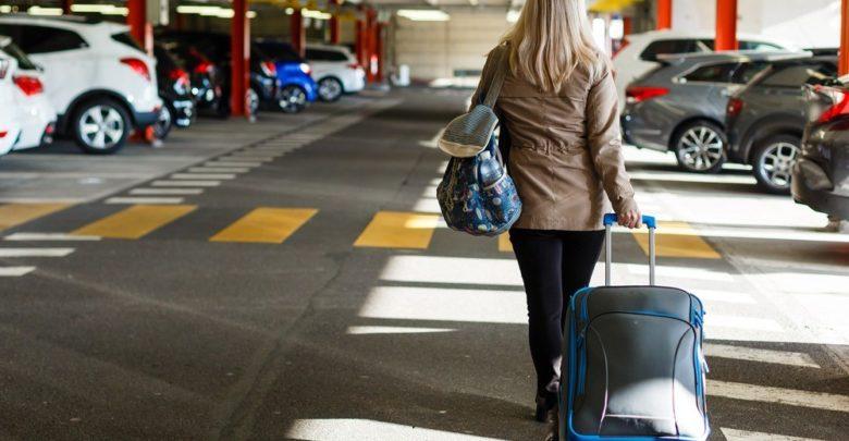 cf9858609d Los aeropuertos de Murcia y Galicia son los más económicos para aparcar en Semana  Santa