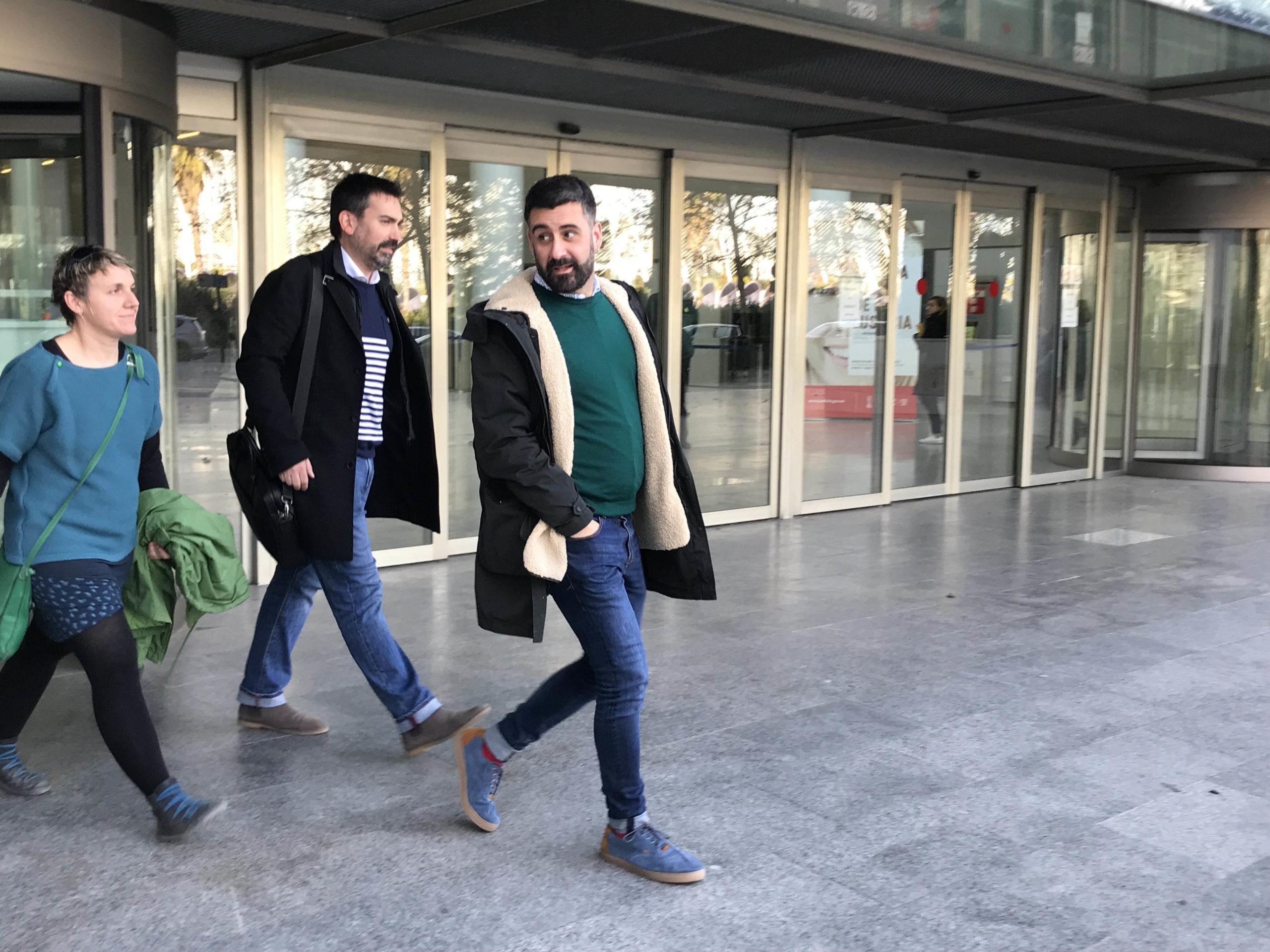 El concejal Pere Fuset sale de la Ciudad de la Justicia tras declarar por el acc
