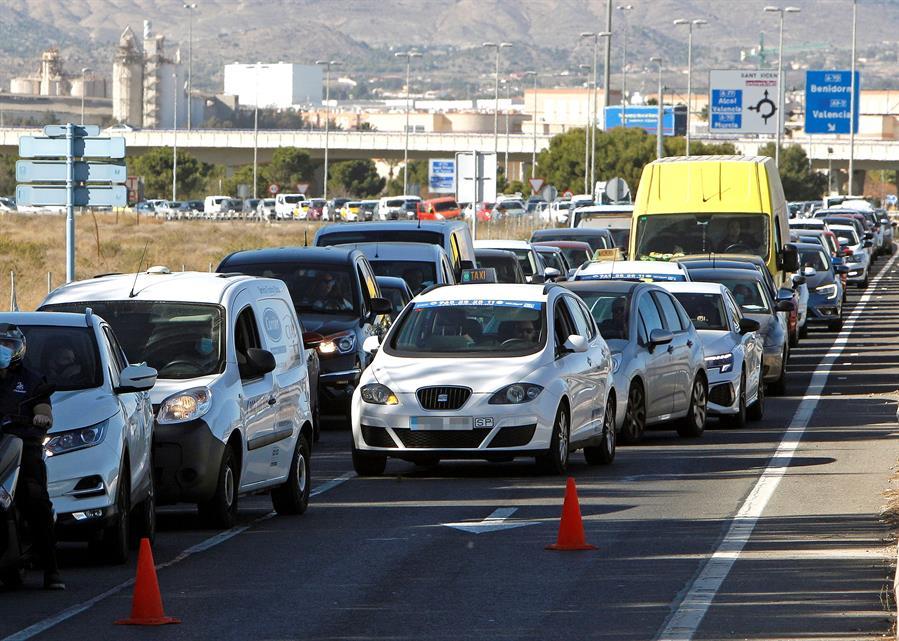 El tercer fin de semana de cierre de ciudades se salda con 3.371 sanciones