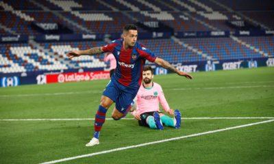 El Levante consigue la permanencia tras empartarle al Barcelona (3-3)