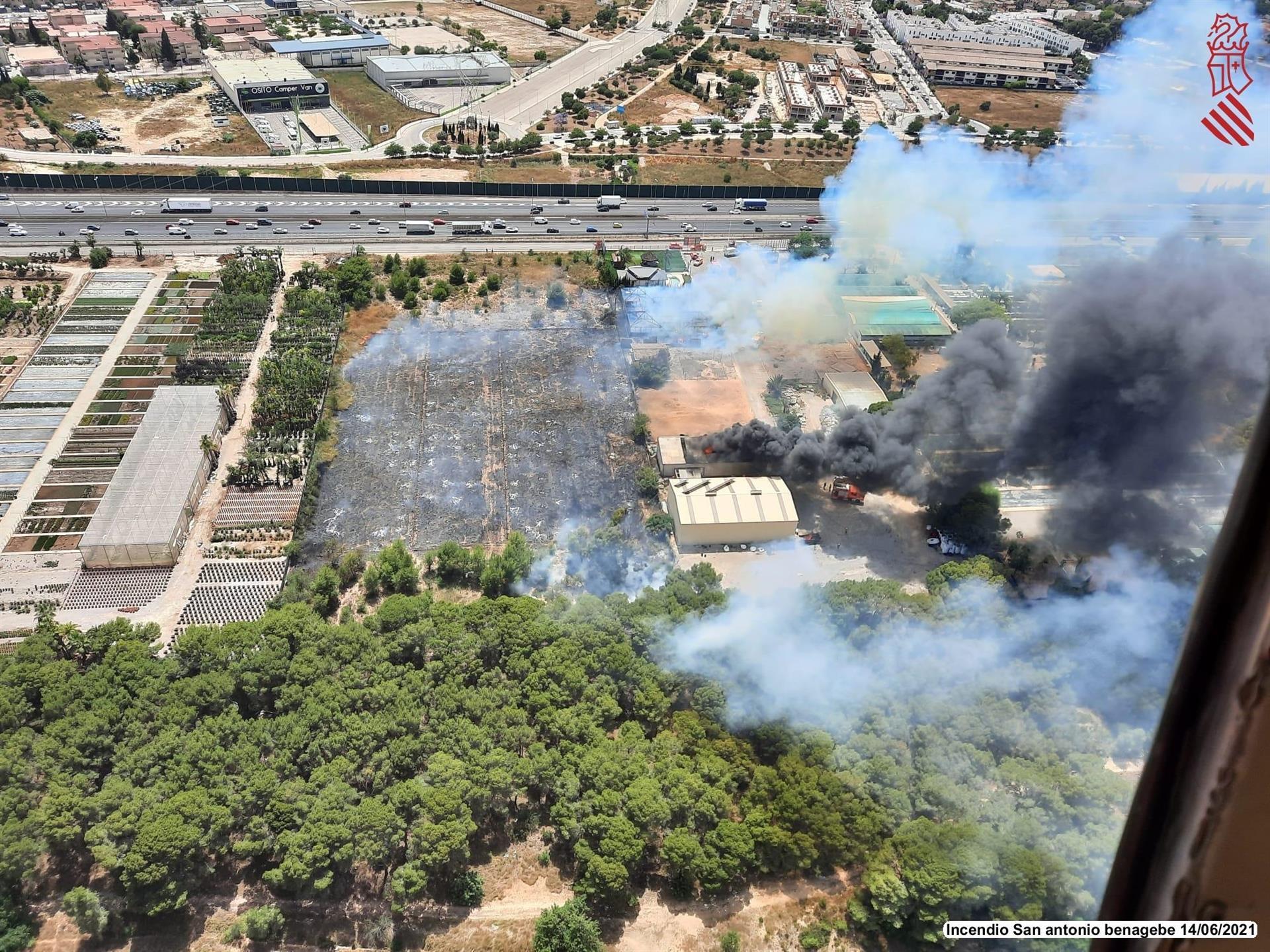 VÍDEO| Así ha sido el escandaloso incendio de San Antonio de Benegéber