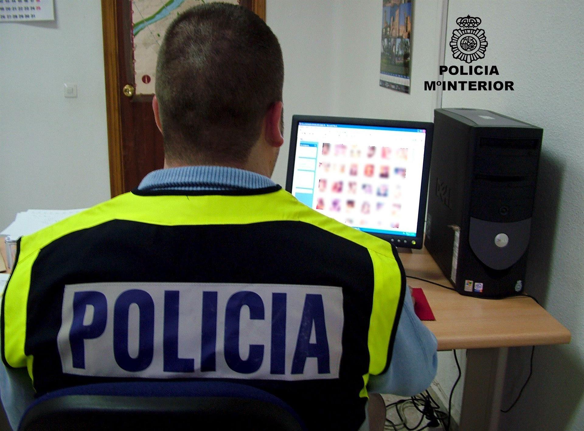 Detenido un pederasta valenciano que logró mil grabaciones de niños desnudos ofreciéndose como canguro