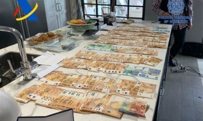 dinero policia