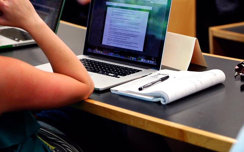 ¿Cómo puedes estudiar en la UNED?
